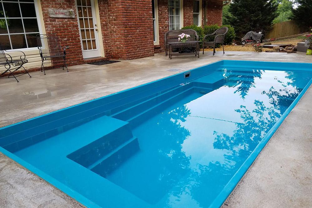 Mud Slingers Fiberglass Swimming Pool